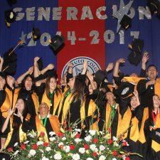 Preparatoria del Instituto Colón celebra la graduación de su XX generación