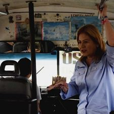 Dialoga Juanita Sánchez con usuarios y choferes del transporte público