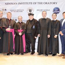 Celebran 20 años de apostolado de la educación